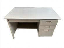 [9成新] CE71701*4抽OA鐵桌書桌/椅無破損有使用痕跡