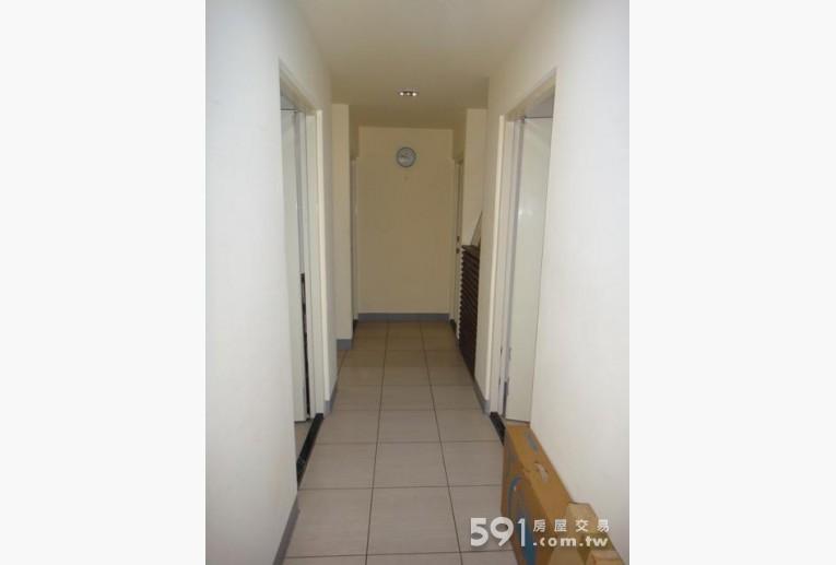 新北租屋,永和租屋,獨立套房出租,走道明亮乾淨