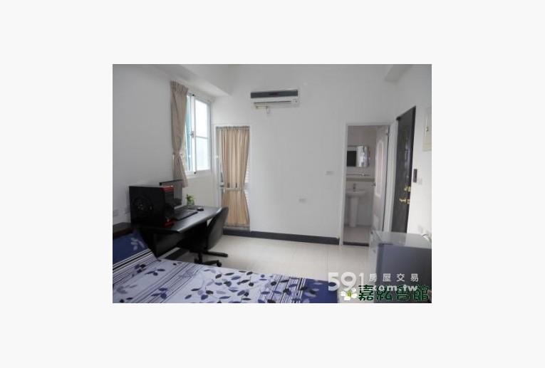 台南租屋,東區租屋,獨立套房出租,家具可依個人配置擺放移動