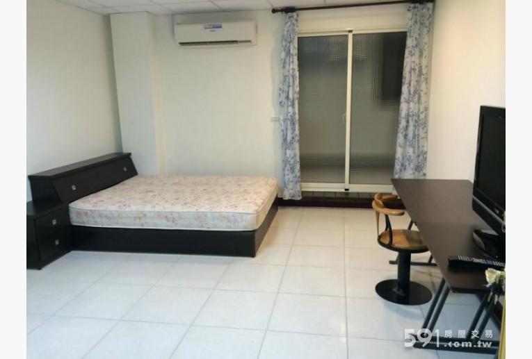 雲林租屋,虎尾租屋,獨立套房出租,雙人床組含床頭櫃
