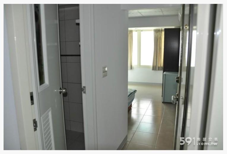 台北租屋,中正租屋,獨立套房出租,採光佳雅致的大房間