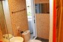 半開放式的浴室空間