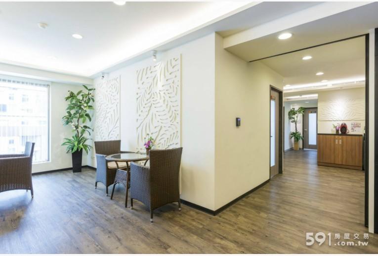 台北租屋,信義租屋,辦公出租,明亮寬敞的免費洽談區