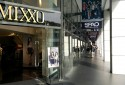 一樓的MIXXO跟SPAO百貨