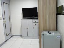 全新裝潢獨立門戶-8坪電梯套房(含家俱)