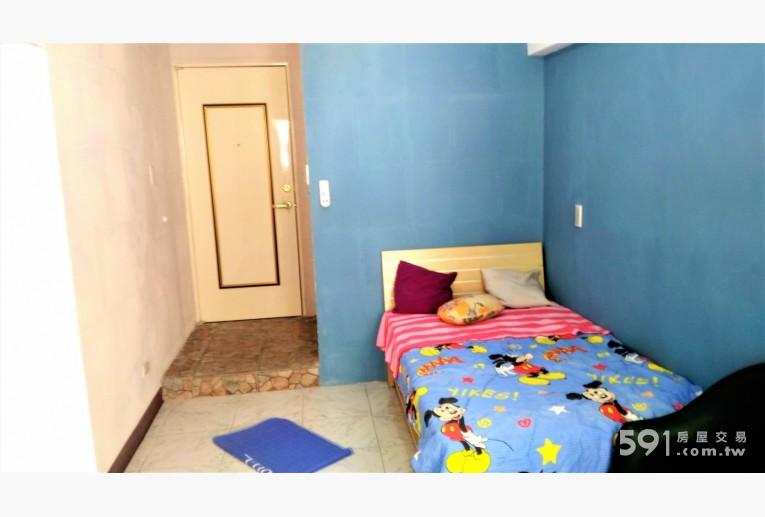 台北租屋,大安租屋,分租套房出租,加大單人床 全新裝潢, 輕工業風