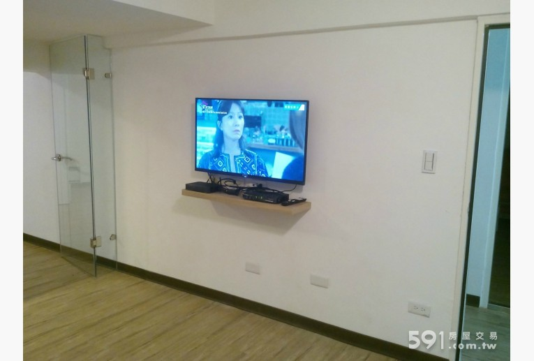 """台北租屋,信義租屋,分租套房出租,40"""" LED電視"""