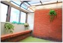 房間一:落地門外的大陽台兼曬衣場