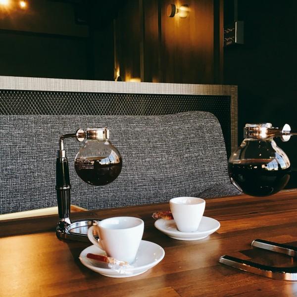 設備全裝潢新60坪室內外咖啡廳頂讓