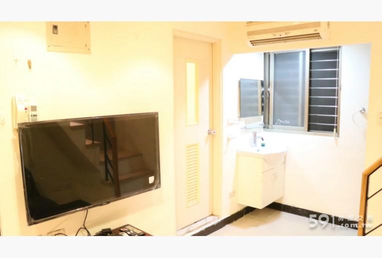 台北租屋,中山租屋,獨立套房出租,50吋寬螢幕智慧電視