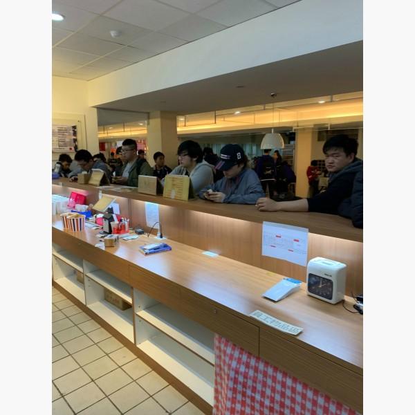 城市科技大學學生餐廳美食街絕版黃金店面