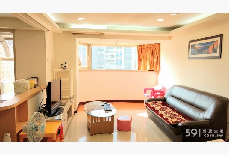 台北租屋,中山租屋,整層住家出租,客廳寬敞明亮簡單樸素,面窗大格局
