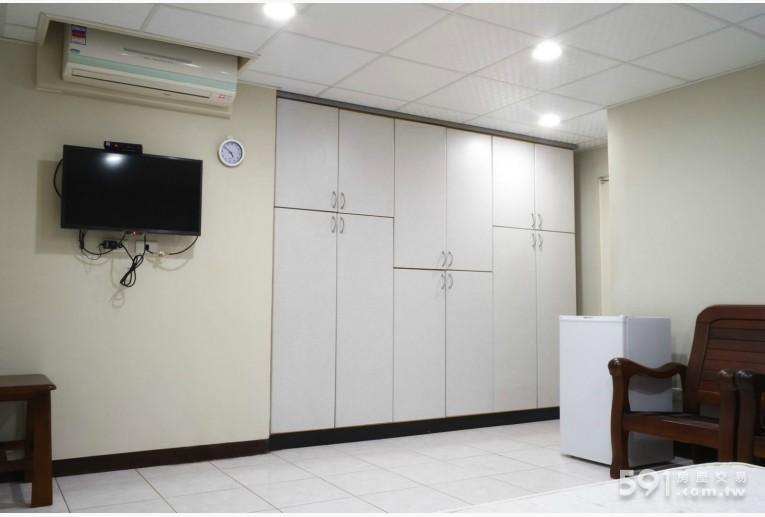 新北租屋,板橋租屋,獨立套房出租,冷氣、電視、衣櫥