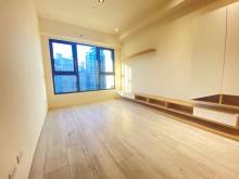 小展~家樂福全新3房有車位輕裝潢前陽台